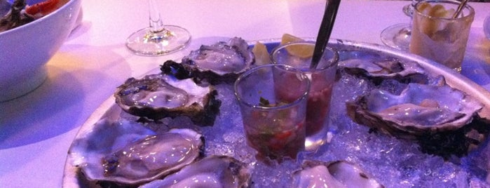 The Oyster Bar is one of Lugares guardados de Anna Brain.