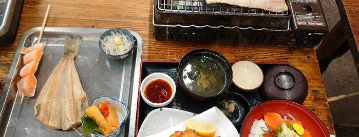 カキ小屋 is one of Tempat yang Disukai Masahiro.