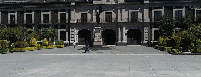 H. Camara de Diputados is one of Lieux qui ont plu à Tete.