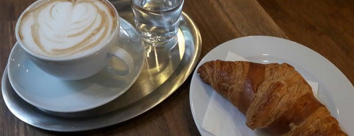 Cafe Colombo is one of Orte, die Fredrik gefallen.