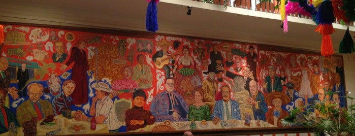 El Mural de los Poblanos is one of Restaurantes.