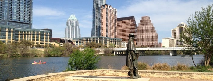 Lady Bird Lake Trail is one of Lugares favoritos de Andrew.