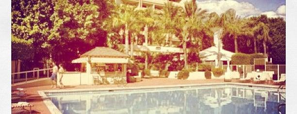 Sheraton Crescent Hotel Club Lounge is one of Tempat yang Disimpan Louise.