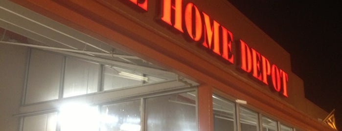 The Home Depot is one of Lieux qui ont plu à Andy.