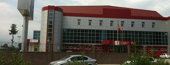 Iskenderun Kapali Spor Salonu is one of Sergen Ali'nin Beğendiği Mekanlar.