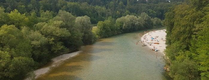 Grünwalder Brücke is one of สถานที่ที่ Dominik ถูกใจ.