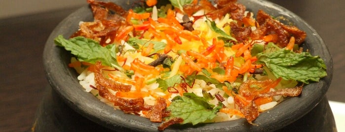Max Kitchen - Indulge In Food is one of Lieux sauvegardés par Parth.