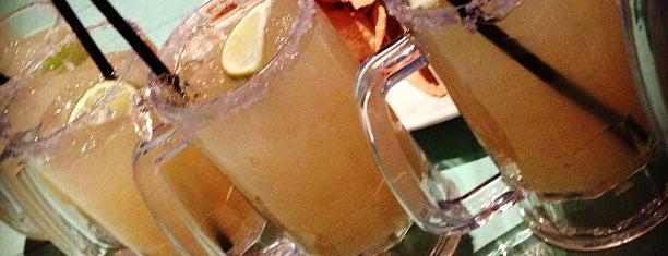 10 restaurants in Vegas with cool bar scenes