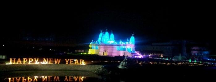 BAPS Shri Swaminarayan Mandir is one of Illinois's Greatest Places AIA.