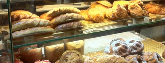Éric Kayser is one of Top Baguette.