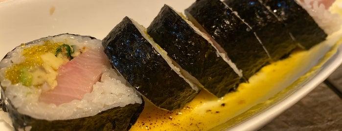 Sasa Sushi is one of Lugares favoritos de Tammy.