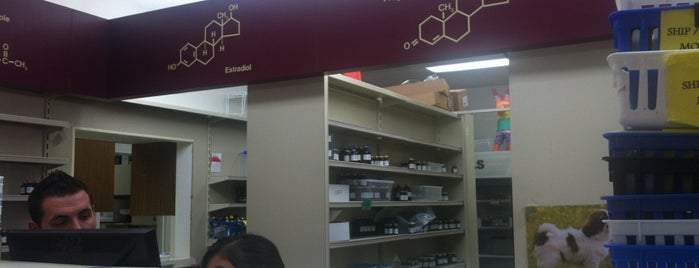 Abrams Royal Pharmacy is one of Tammyさんのお気に入りスポット.