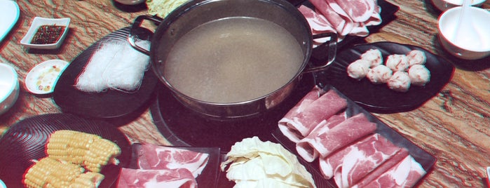 Double Tasty Taiwan Hotpot is one of Spoiler babe. ❤️️.
