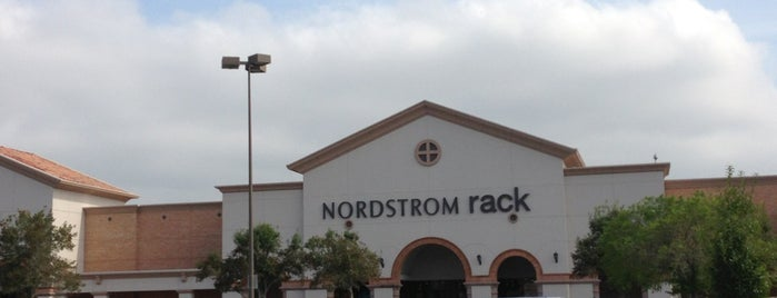 Nordstrom Rack Market at Town Center is one of Luisw'in Kaydettiği Mekanlar.