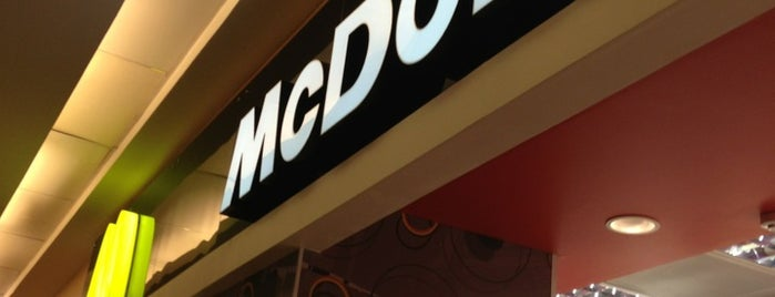 McDonald's is one of São Paulo ABC, Bares/Cafés, Restaurantes Shoppings.