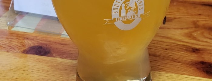 Southern Pines Growler Company is one of Southern Pines Food and Drink.