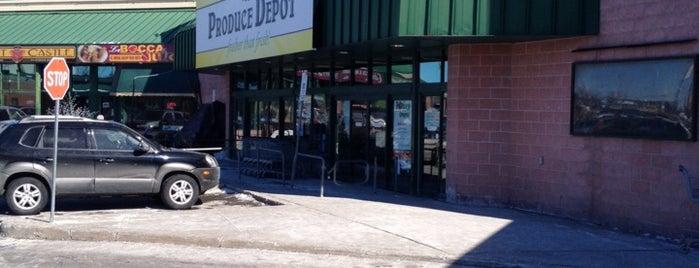 Produce Depot is one of Lieux qui ont plu à Janet.