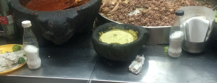 Los tacos de los gueros is one of สถานที่ที่ Jann ถูกใจ.
