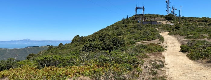 Montara Mountain Middle Peak is one of HWY1: SF to Davenport.