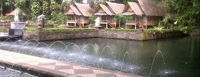 Kampung Sampireun Resort & Spa is one of Kennyさんの保存済みスポット.