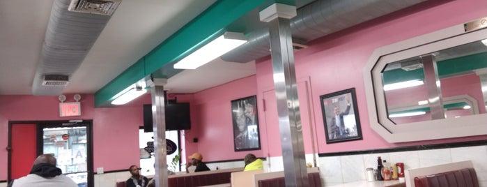 Paphos Diner is one of สถานที่ที่ Jason ถูกใจ.