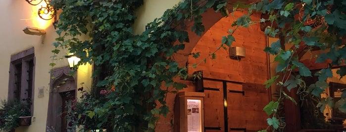 Hôtel à l'Oriel is one of Lugares favoritos de John.