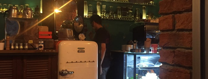 Keşiş Kahve/Monk Coffee Co. is one of Lugares favoritos de Mehmet Ali.