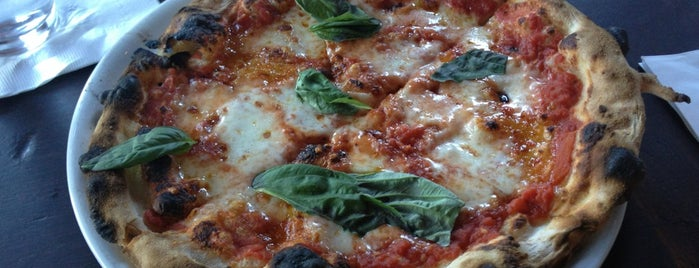 Pizzeria Bianco is one of Lieux qui ont plu à Justin Eats.