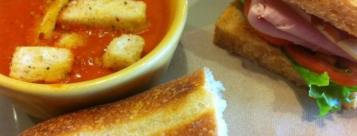 Panera Bread is one of Lugares favoritos de Jacob.