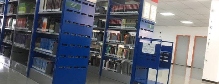 Biblioteca UFABC is one of Tempat yang Disukai Betina.