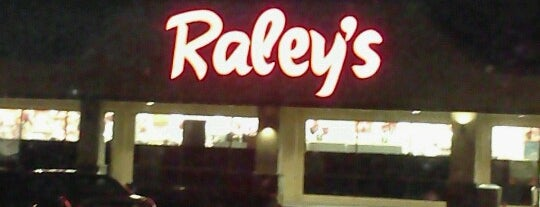 Raley's is one of Locais curtidos por Marianna.