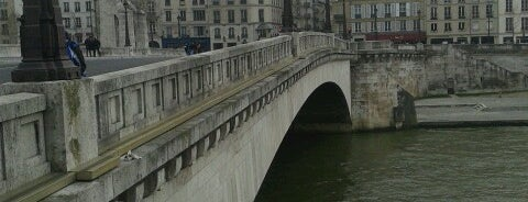 Pont de la Tournelle is one of Lieux qui ont plu à Natalia.