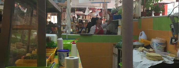 Mercado Churubusco is one of สถานที่ที่ Mariana ถูกใจ.