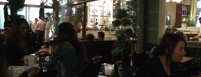 WalkIn Brasserie is one of quemipaz 님이 좋아한 장소.