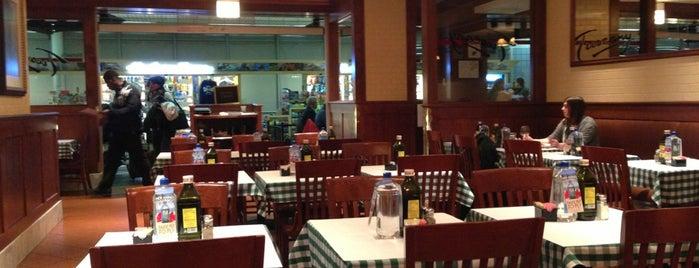 Stefani's Tuscany Cafe is one of R'ın Beğendiği Mekanlar.