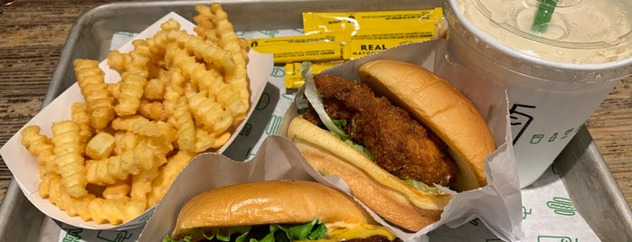 Shake Shack is one of Jean-Françoisさんのお気に入りスポット.
