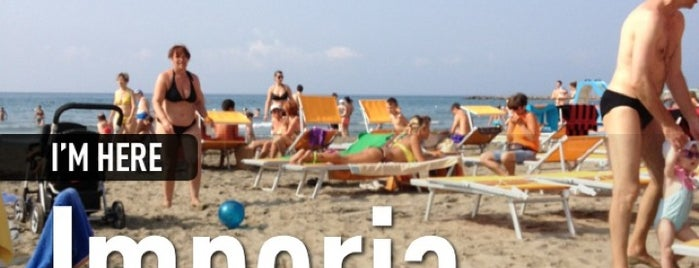 Spiaggia D'oro is one of Beach.