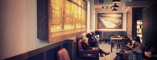 Starbucks is one of Locais curtidos por Jen.