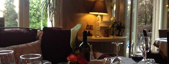 Simposium is one of Restaurant.