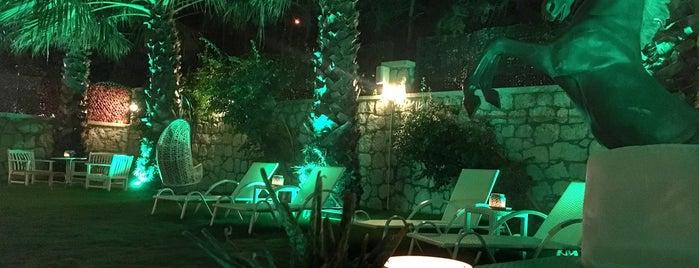 Alaçatı Siesta Hotel is one of Algani Turizm 님이 저장한 장소.