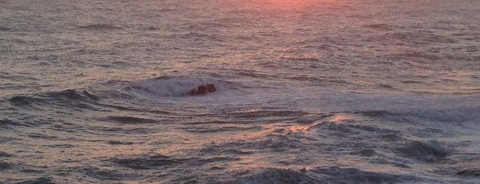Alanya Beach is one of Tempat yang Disukai tt..
