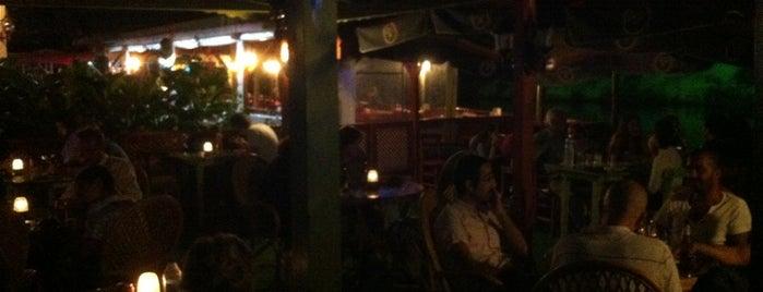 Pub'uc Cafe Pub is one of Tempat yang Disimpan Esra.