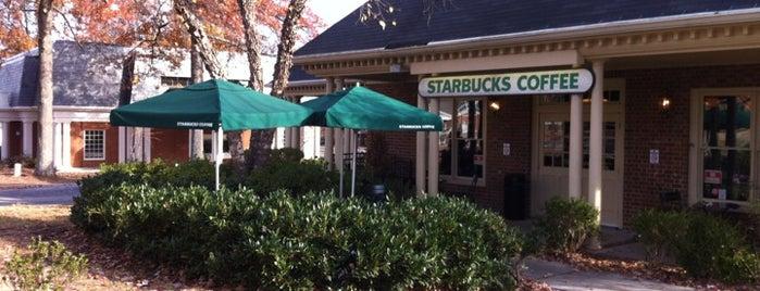 Starbucks is one of Lieux qui ont plu à Nikki.