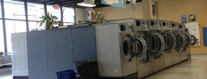 Belmont Eco Laundry is one of สถานที่ที่ Star ถูกใจ.