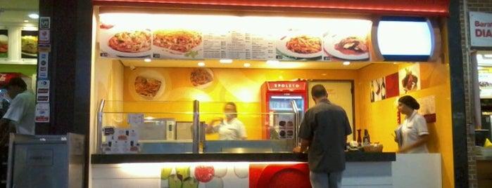 Spoleto Culinária Italiana - Praça de Alimentação Térreo is one of Locais curtidos por Sara.