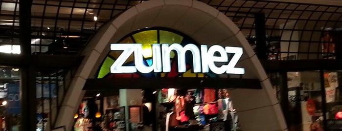 Zumiez is one of สถานที่ที่ Liz ถูกใจ.
