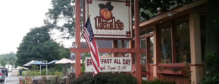 Peach's Restaurant is one of Lieux qui ont plu à Charlie.