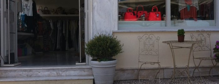 Love Boutique Σπετσες is one of Spetses Island.