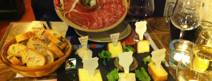 Pain, Vin, Fromage is one of Paris.