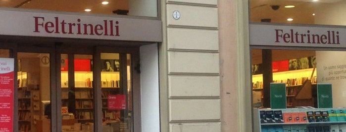 La Feltrinelli is one of Locais curtidos por ayşe.